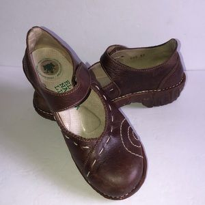 El Naturalista Mary Jane frog shock system  shoes